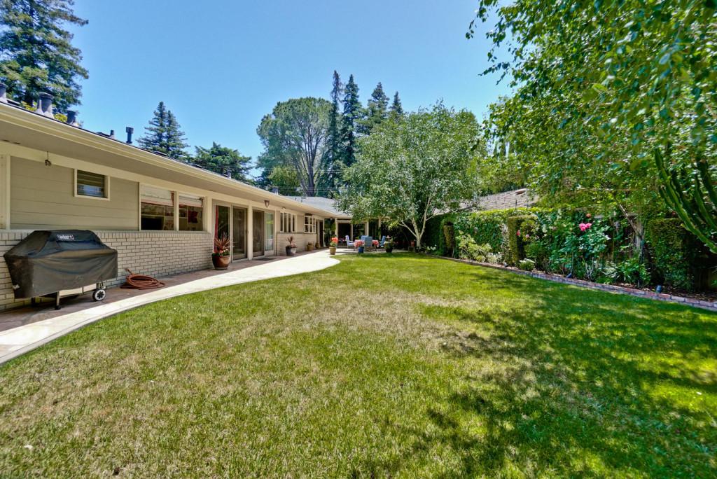 3 Hyde StreeT Redwood City CA-large-080-8-Backyard-1498x1000-72dpi